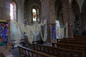 Église de Chavanaic décorée en 2013 par Eddy Saint Martin (dentelles prétées par Hôtel de la Dentelle Brioude)